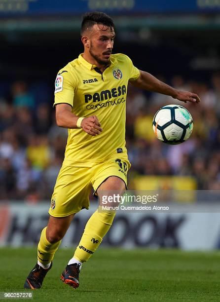 Nicola Sansone of Villarreal in action during the La Liga match between Villarreal and Real Madrid at Estadio de La Ceramica on May 19 2018 in...