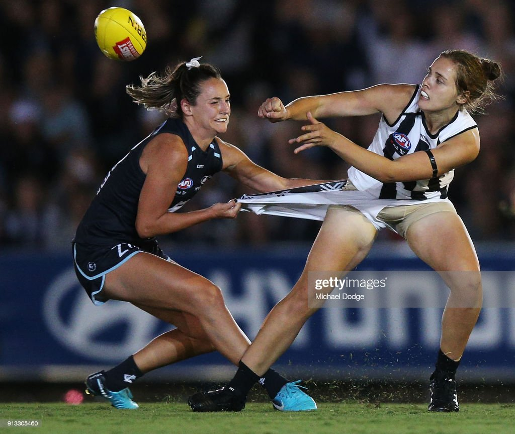AFLW Rd 1 - Carlton v Collingwood : News Photo