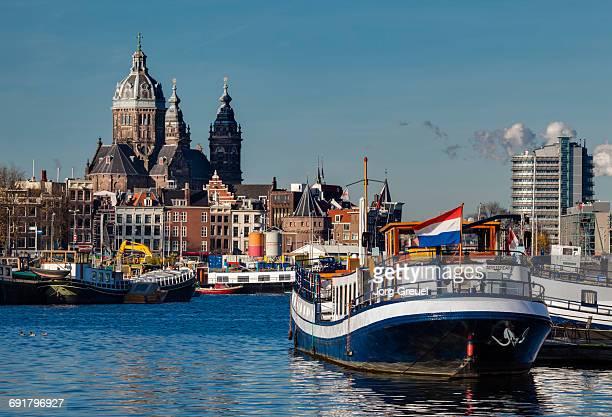nicolaaskerk - nederlandse vlag stockfoto's en -beelden