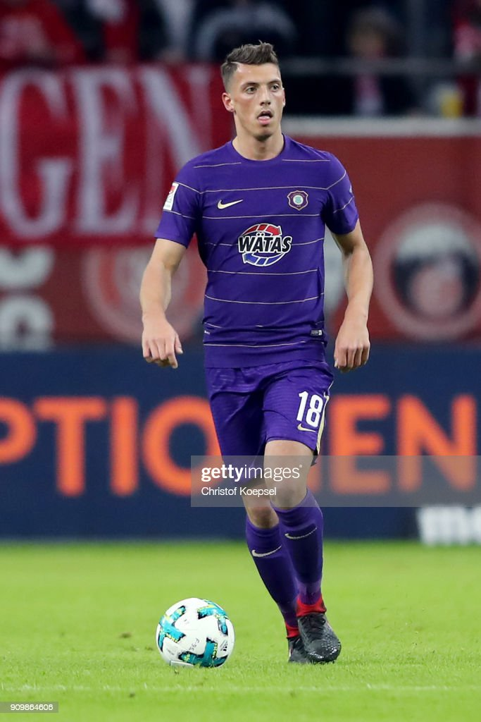 Nicolai Rapp of Erzgebirge Aue runs with the ball during the Second Bundesliga match between Fortuna Duesseldorf and FC Erzgebirge Aue at Esprit-Arena on January 24, 2018 in Duesseldorf, Germany. The match between Duesseldorf and Aue ended 2-1.