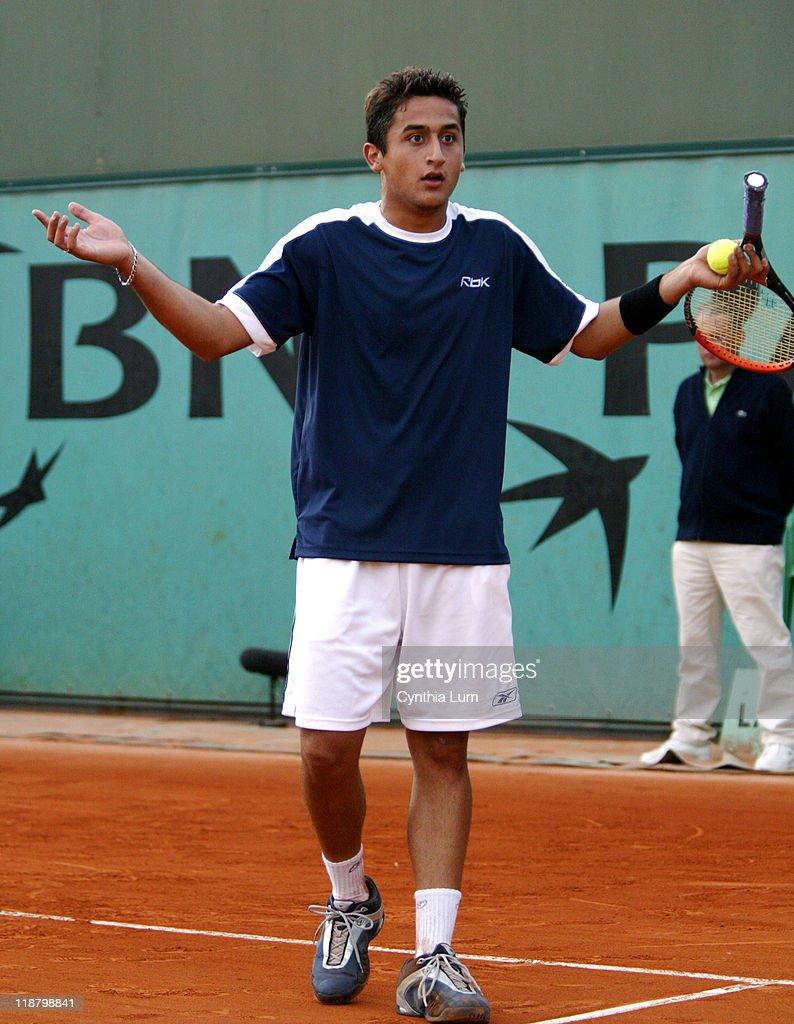 2004 French Open - Men's First Round - Gustavo Kuerten vs Nicolas Almagro