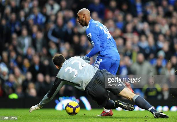Nicolas Anelka of Chelsea rounds Martin Fulop the Sunderland goalkeeper to score during the Barclays Premier League match between Chelsea and...