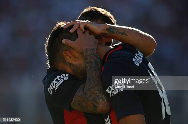 Nicola‡s Blandi of San Lorenzo and teammates celebrate their team's first goal during the 4th round match between San Lorenzo and Velez Sarsfield as...