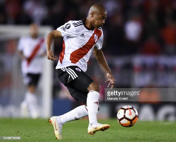Nicolas De La Cruz of River Plate kicks the ball during a quarter final second leg match of Copa CONMEBOL Libertadores 2018 between River Plate and...
