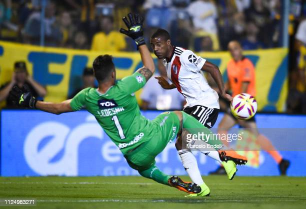 Nicolas De La Cruz of River Plate shoots on target against Jeremias Ledesma of Rosario Central during a match between Rosario Central and River Plate...