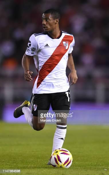 Nicolas De La Cruz ofo River Plate drives the ball during round of sixteen second leg match between River Plate and Aldosivi at Estadio Monumental...