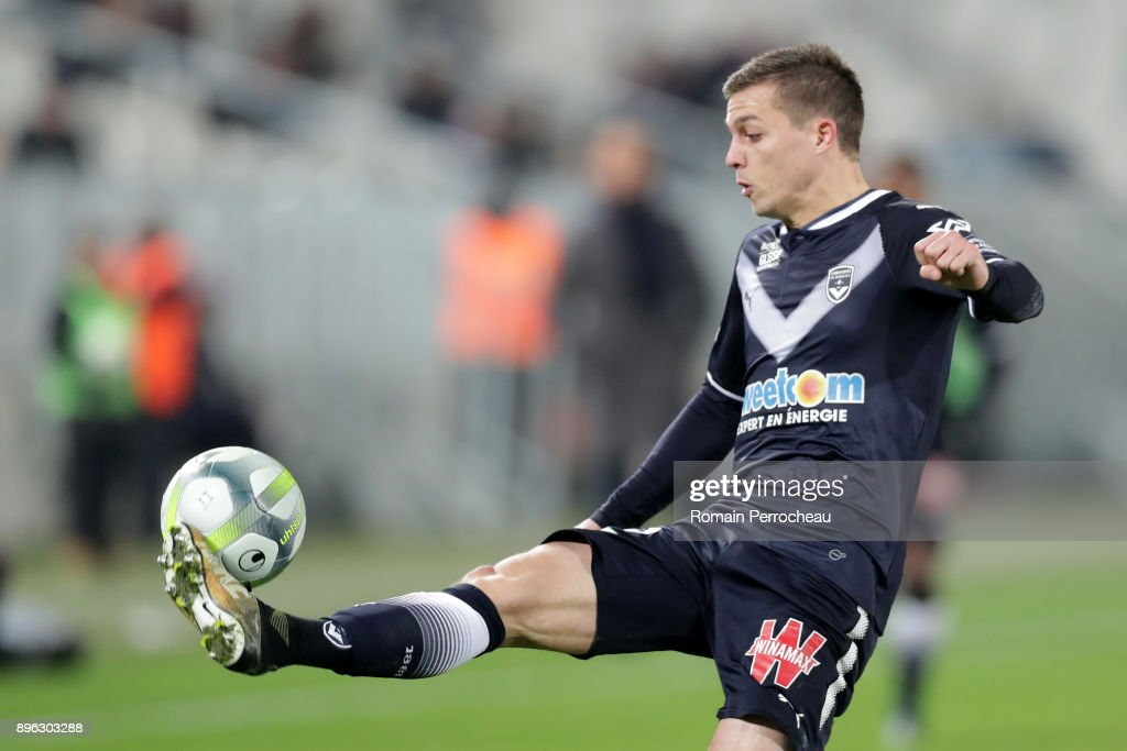 Nicolas De Preville of Bordeaux in action during the Ligue 1 match between FC Girondins de Bordeaux and Montpellier Herault SC at Stade Matmut Atlantique on December 21, 2017 in Bordeaux, .