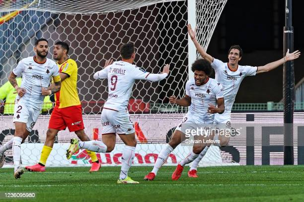 Nicolas De Preville of FC Metz celebrates after scoring his team's first goal during the Ligue 1 Uber Eats match between RC Lens and FC Metz at Stade...