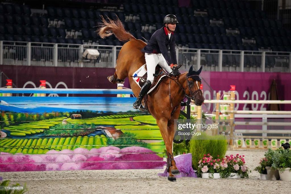 Nicolas Delmotte riding Urvoso du Roch during the Jumping Individual...  Fotografía de noticias - Getty Images