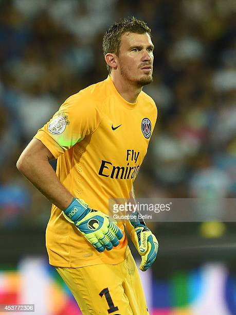 Nicolas Douchez of Paris Saint Germain in action during the preseason friendly match between SSC Napoli and Paris SaintGermain FC at Stadio San Paolo...