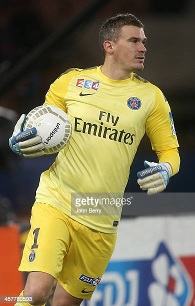 Nicolas Douchez of PSG in action during the french Ligue Cup match between Paris SaintGermain FC and AS SaintEtienne ASSE at the Parc des Princes...