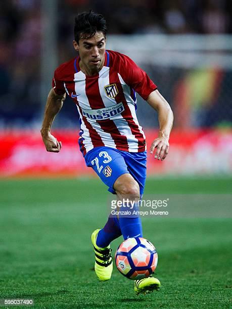 Nicolas Gaitan of Atletico de Madrid controls the ball during the La Liga match between Club Atletico de Madrid and Deportivo Alaves at Vicente...