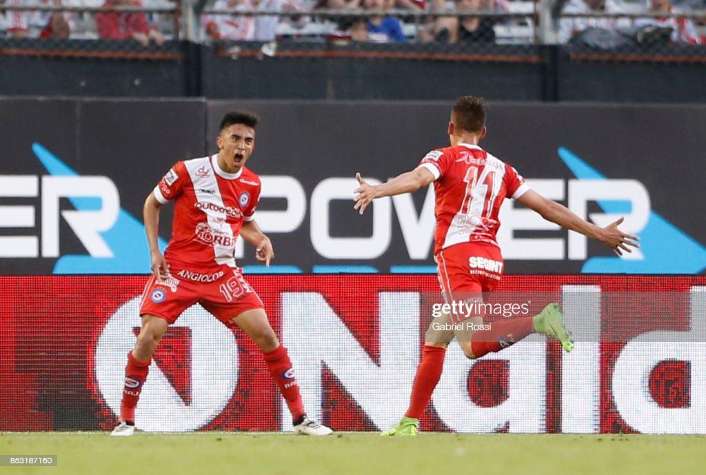 River Plate v Argentinos Juniors - Superliga 2017/18 : Foto jornalística