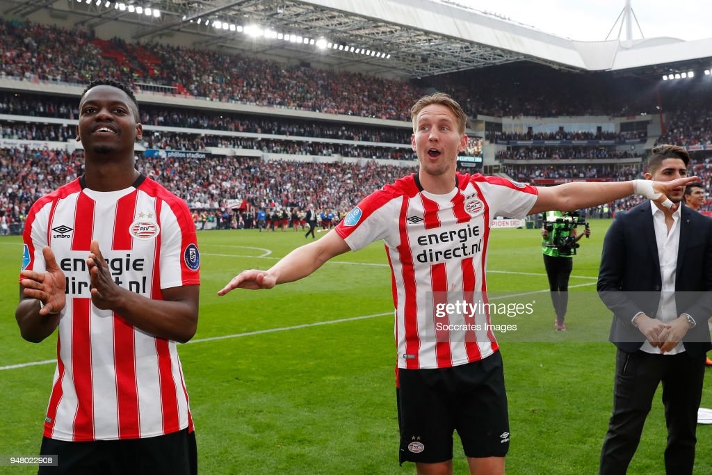 Nicolas Isimat Mirin of PSV, Luuk de Jong of PSV celebrates the championship during the Dutch Eredivisie match between PSV v Ajax at the Philips Stadium on April 15, 2018 in Eindhoven Netherlands