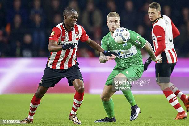 Nicolas IsimatMirin of PSV Lars Veldwijk of PEC Zwolle Santiago Arias of PSV during the Dutch Eredivisie match between PSV Eindhoven and PEC Zwolle...