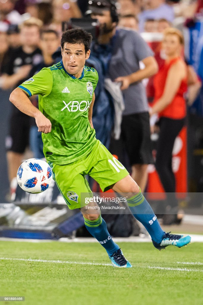 Nicolas Lodeiro #10 of Seattle Sounders dribbles the ball against the Colorado Rapids at Dick's Sporting Goods Park on July 4, 2018 in Commerce City, Colorado.