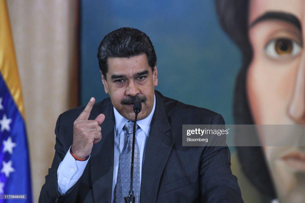 President Nicolas Maduro Holds Press Conference : News Photo