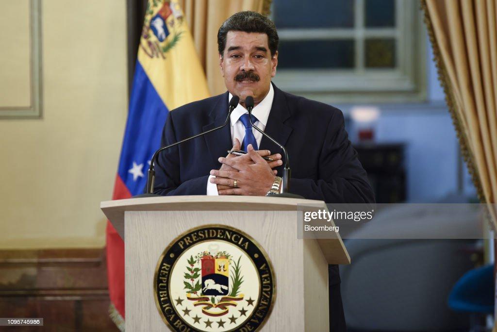 President Nicolas Maduro Holds Press Conference As Bridge Blockade Stifles Humanitarian Aid : News Photo