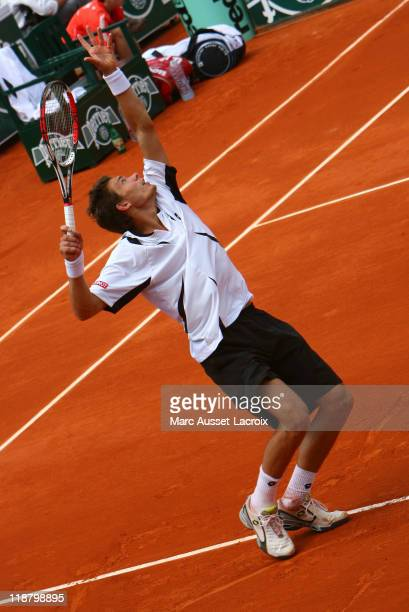 Nicolas Mahut durng the 2007 French Open, first round match against Richard Gasquet at Roland Garros, Paris, France on May 29, 2007.