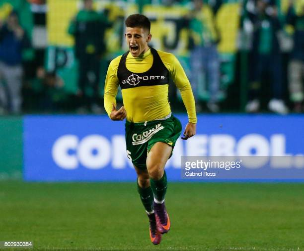 Nicolas Marcelo Stefanelli of Defensa y Justicia celebrates after scoring the first goal of his team during a first leg match between Defensa y...