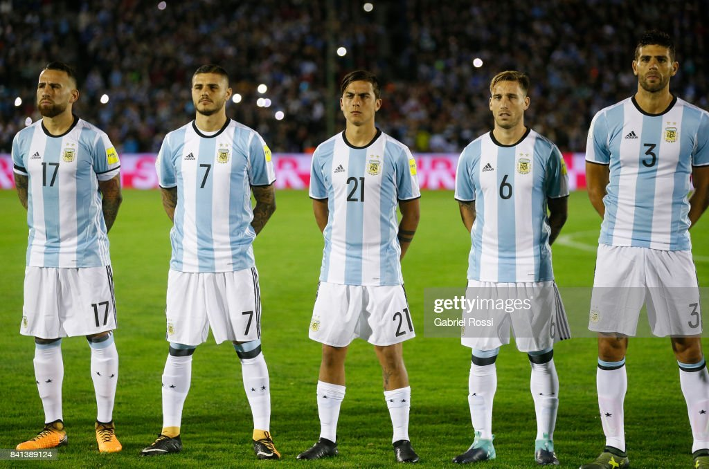 Uruguay v Argentina - FIFA 2018 World Cup Qualifiers : News Photo