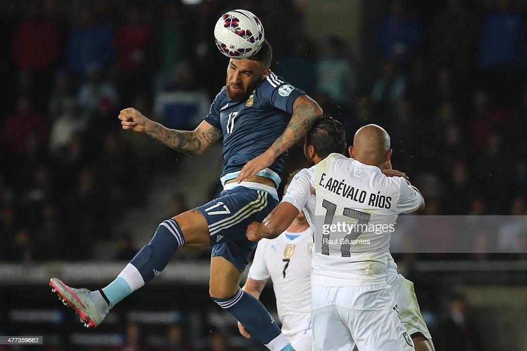 Argentina v Uruguay: Group B - 2015 Copa America Chile : News Photo