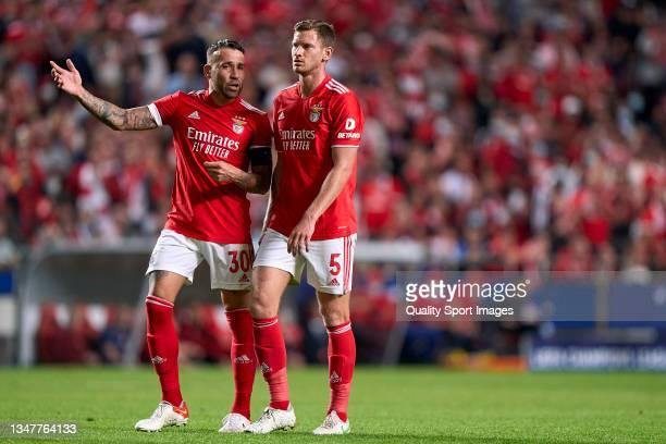 Nicolas Otamendi of SL Benfica talks with Jan Vertonghen of SL Benfica during the UEFA Champions League group E match between SL Benfica and Bayern...