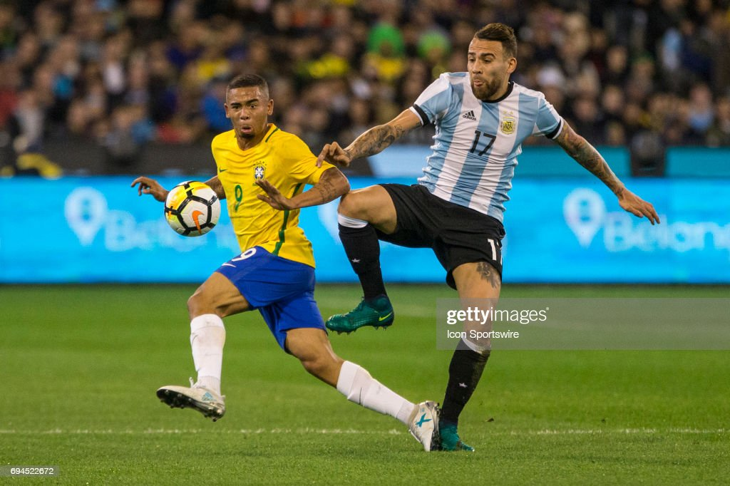 SOCCER: JUN 09 Brazil Global Tour - Brazil v Argentina : Fotografía de noticias