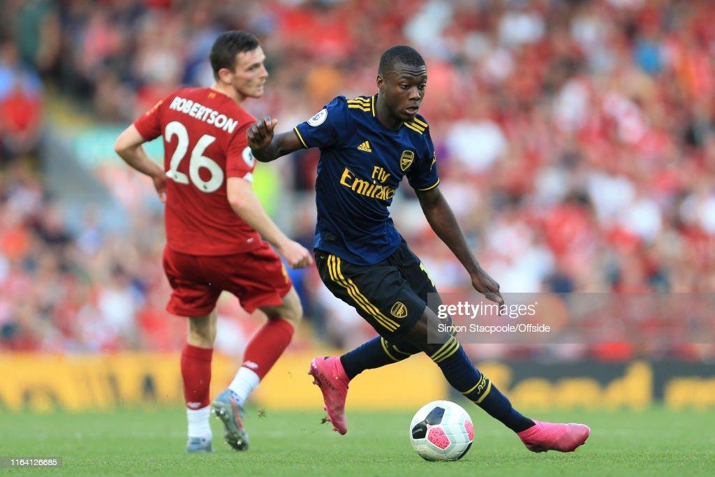 Liverpool v Arsenal - Premier League : Fotografía de noticias