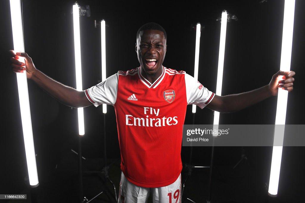 Arsenal Photocall : News Photo