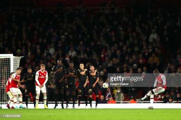 Nicolas Pepe of Arsenal scores his team's second goal during the UEFA Europa League group F match between Arsenal FC and Vitoria Guimaraes at...