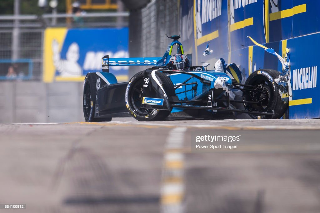 Nicolas Prost of France from Renault e.dams crashes out in the Formula E Qualifying Session 1 during Formula E on December 2, 2017 in Hong Kong, Hong Kong.