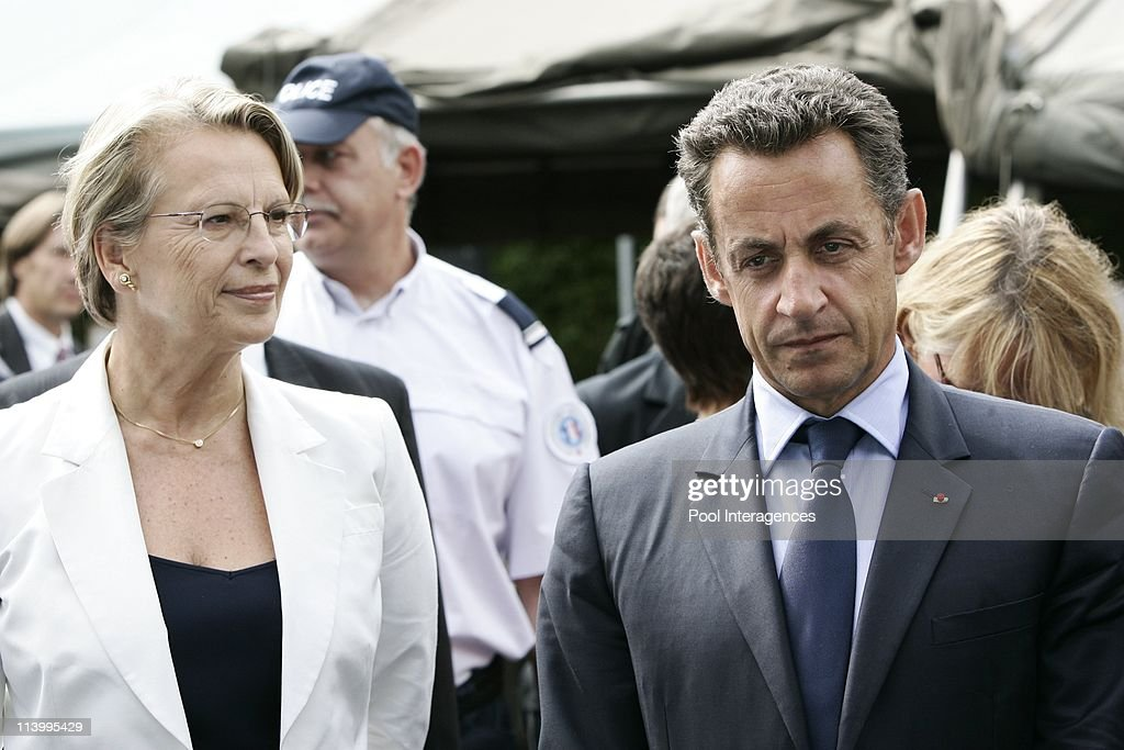 Nicolas Sarkozy in displacement to Bayonne, France On August 24, 2007- : News Photo