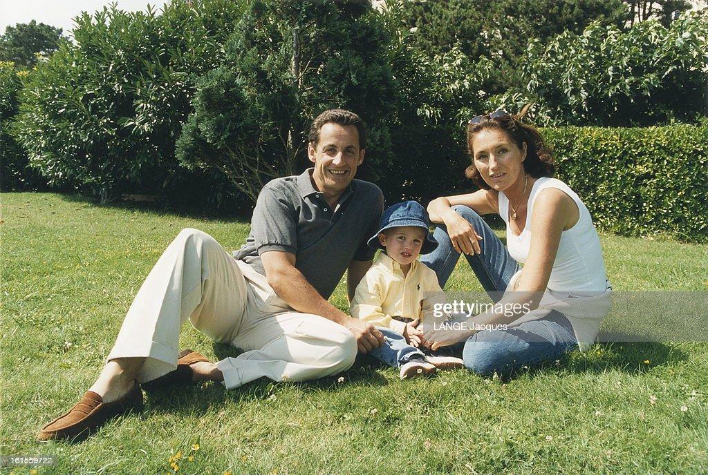 Nicolas Sarkozy In La Baule With Family Nicolas Sarkozy En Vacances News Photo Getty Images