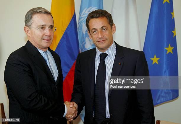 Nicolas Sarkozy meets Alvaro Uribe at UN Headquarters In New York United States On September 25 2007French president Nicolas Sarkozy meets Colombian...