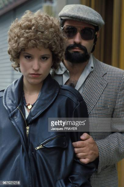 Nicolas Silberg et Caroline Aguilar lors du tournage du film 'Mesrine' realise par Andre Genoves le 26 janvier 1984 a Paris France