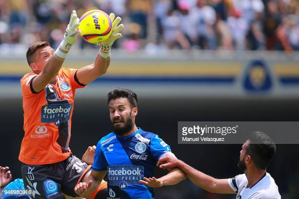 Nicolas Vikonis goalkeeper of Puebla catches the ball during the 15th round match between Pumas UNAM and Puebla as part of the Torneo Clausura 2018...