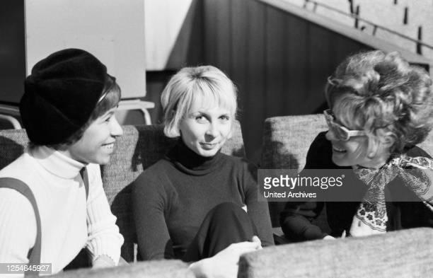Nicole Adamo, Ehefrau von Schlagersänger Salvatore Adamo, Deutschland 1969.