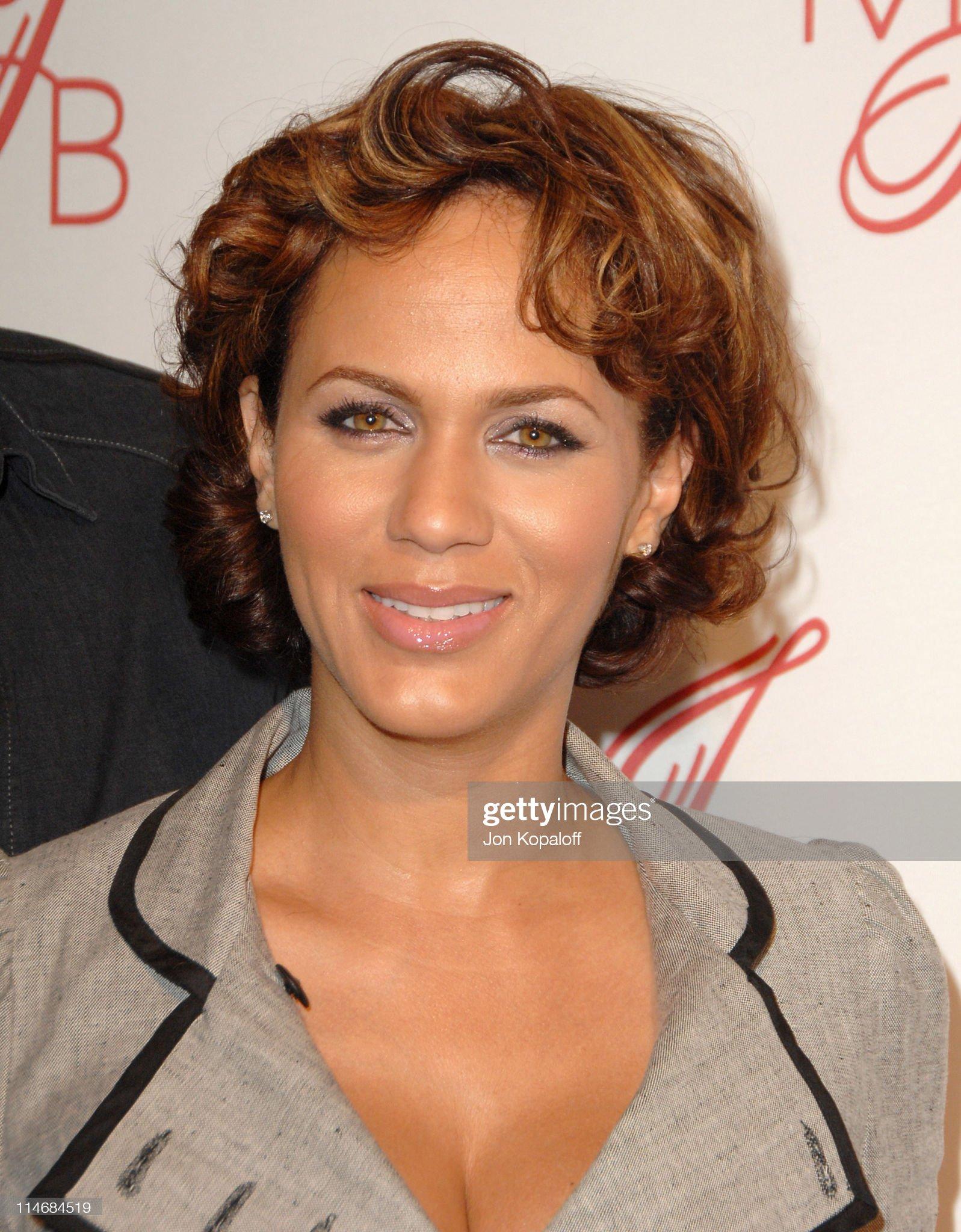 Hazel eyes - Personas famosas con los ojos de color AVELLANA Nicole-ari-parker-during-will-smith-and-jada-pinkett-smith-host-to-picture-id114684519?s=2048x2048