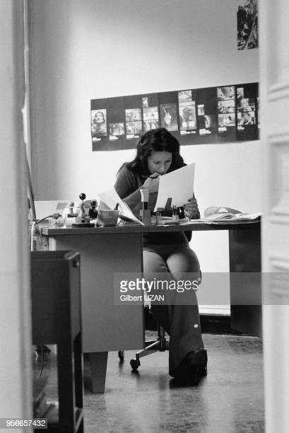 Nicole Benoit directrice financière de l'agence Gamma dans son bureau rue Auguste Vacquerie en septembre 1976 à Paris France