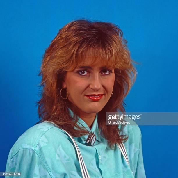 Nicole Bierhoff, deutsche Moderatorin beim Sender RTL plus in Köln, Deutschland 1989