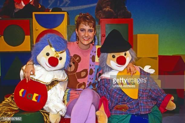 """Nicole Bierhoff, deutsche Moderatorin der Kindersendung """"Klack"""" bei RTL plus in Köln, Deutschland 1992"""