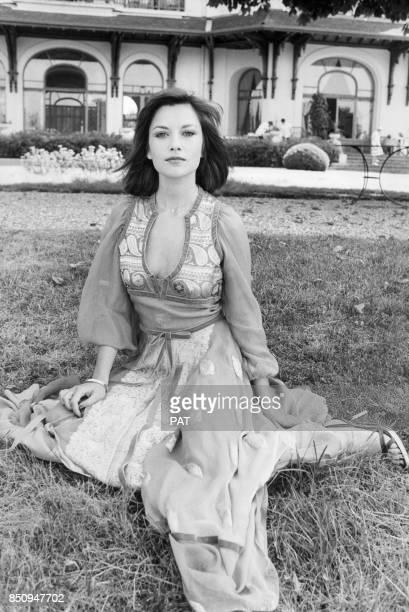 Nicole Calfan en juillet 1976, France.