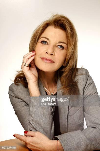 """Nicole Calfan on the set of TV show """"Les Grands du Rire""""."""