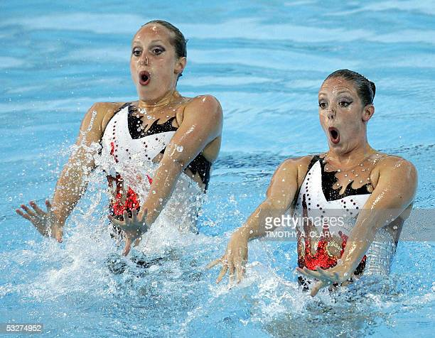 Nicole Cargill and Courtney Stewart of the Canadian synchronized swim team perform during the duet free routine finals 22 July 2005 at the 2005 XI...