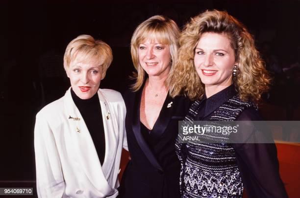 Nicole Croisille Alice Dona et Jeane Manson lors d'une soirée à Paris en décembre 1991 France
