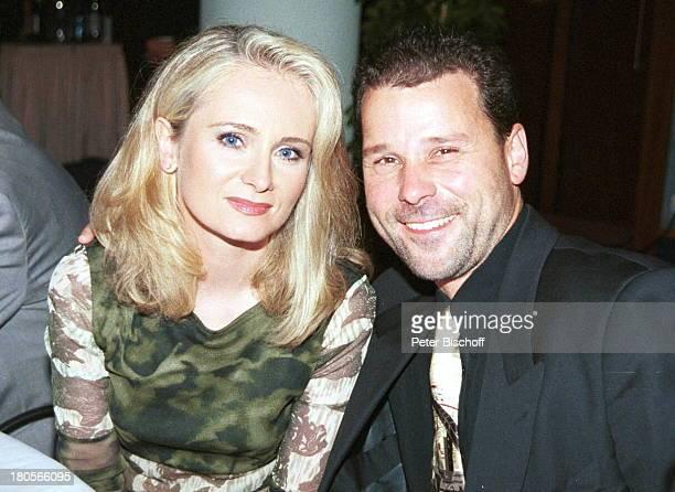 Nicole Ehemann Winfried Seibert ARDShow Die Goldene Stimmgabel 2000FriedrichEbertHalle Ludwigshafen