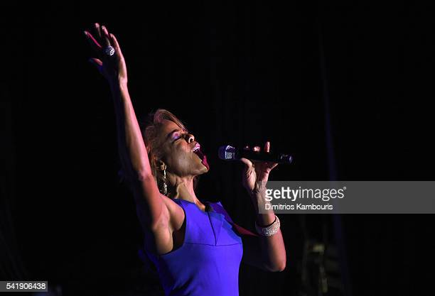 Nicole Henry performs as the Friars Club Honors Tony Bennett With The Entertainment Icon Award Inside at New York Sheraton Hotel Tower on June 20...