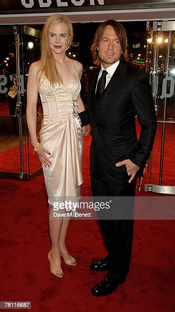 Nicole Kidman and Keith Urban arrive at the World Premiere of 'The Golden Compass' at the Odeon Leicester Square on November 27 2007 in London England