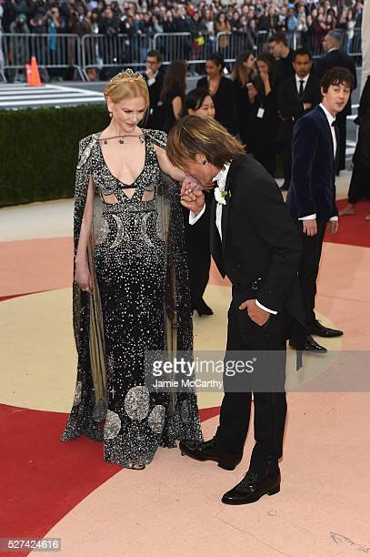 """Nicole Kidman and Keith Urban attend the """"Manus x Machina: Fashion In An Age Of Technology"""" Costume Institute Gala at Metropolitan Museum of Art on..."""